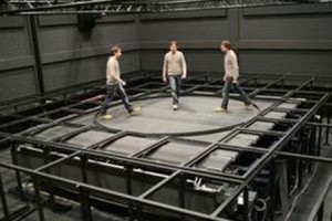 VR-treadmill-cybercarpet-cyberwalk-virtual-reality-omnidirectional-treadmill